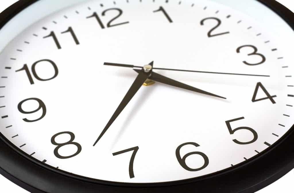 wall clock set to 4:38